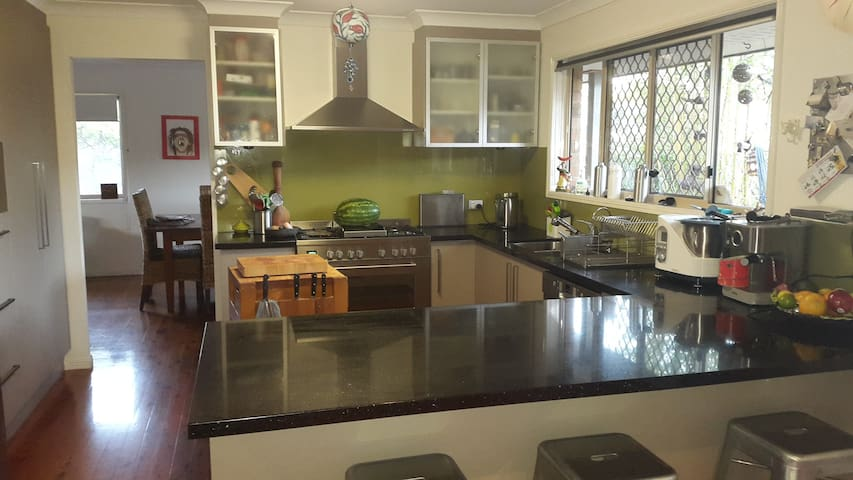 double bedroom - Ferny Grove