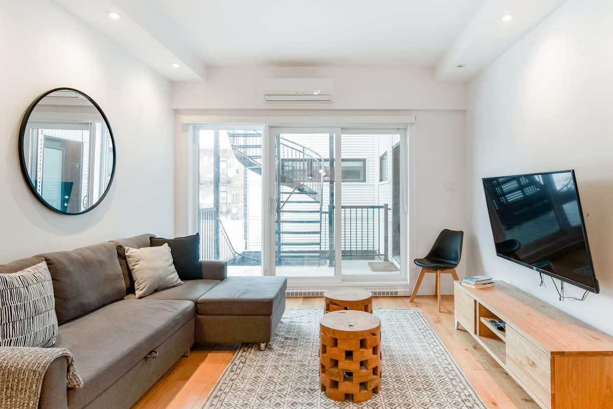 Hip, Stylish Apartment in Little Italy