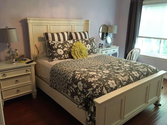large quiet comefortable condo. - Culver City - Apto. en complejo residencial