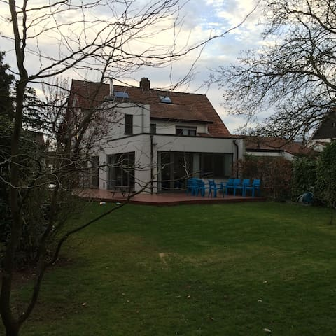 quiet house for families, big garden, near Antwerp