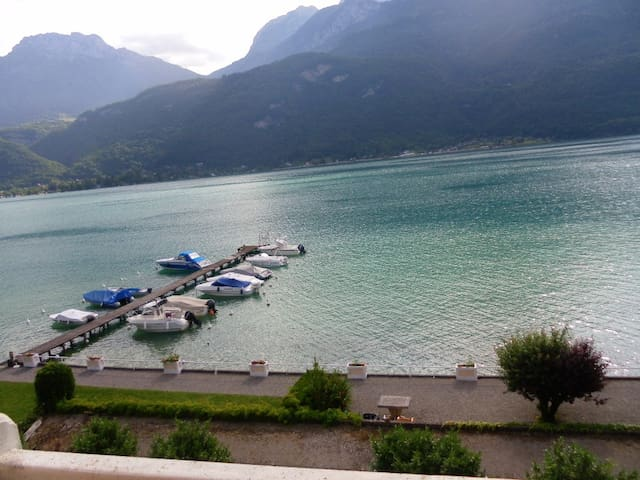 Studio face au lac d'Annecy - Doussard - Appartement