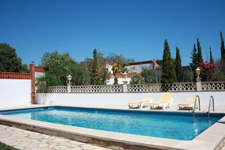 Blanes Villa for 6/8 with Pool & Tennis crt. - Blanes