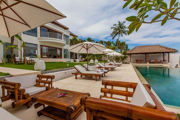 Superb Beachfront 4 bdrs villa - Villa Lucia