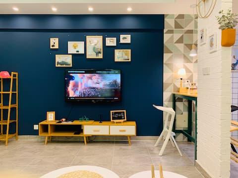 宽窄民俗(蓝) 我们这里会不断上线各种风格房源,给您带来各种居住体验,欢迎亲们来体验哟!