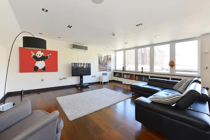 HIGH-END 1500 Sqft PENTHOUSE LOFT w AC