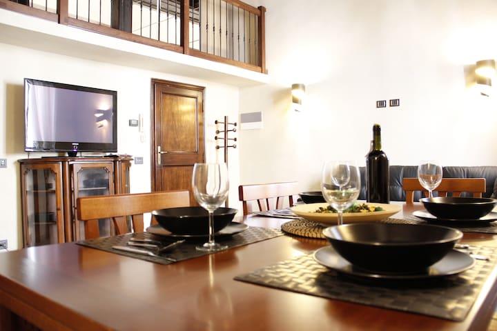 Art Apartment Santa Croce Family Suite