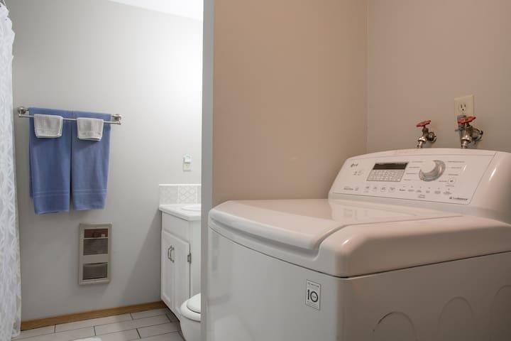 Washing machine handles a large loads of laundry