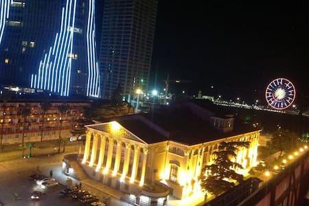 kvartira k more - Batumi - Flat