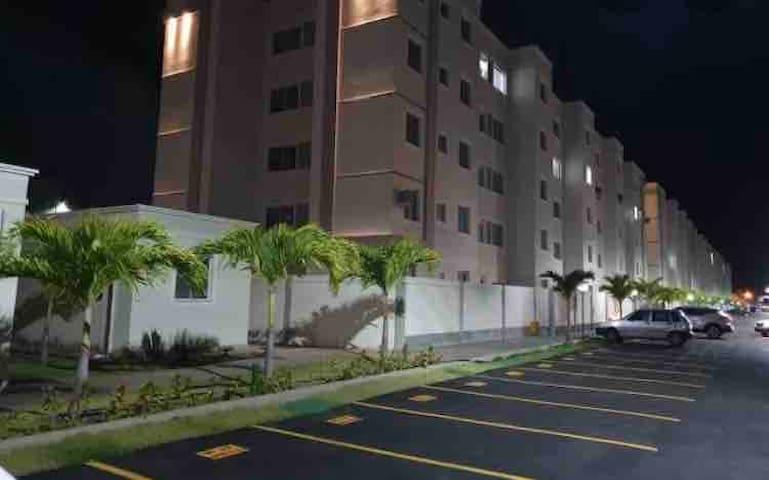 Apartamento em Ponta de Campina com área externa