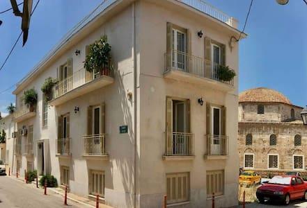 Efrosini's 2bdr ground level apartment