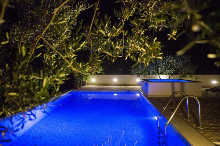 Holiday home Tanja with heated jacuzzi and pool