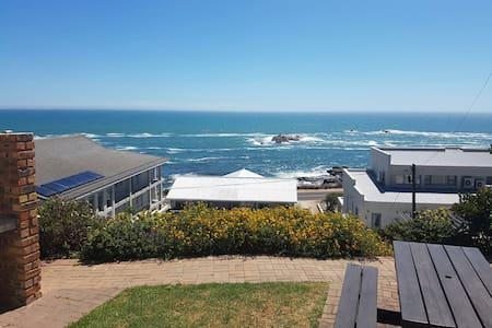 Emmaus-On-Sea - Yzerfontein - Huoneisto