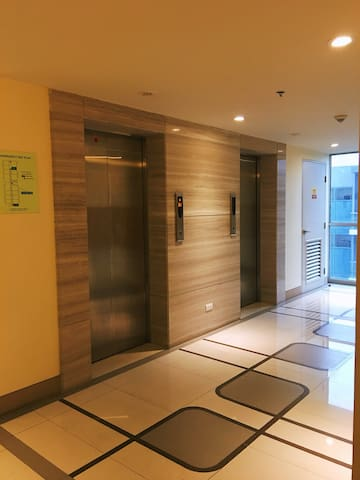 The elevator from ground floor to 10th floor ( 10-N )
