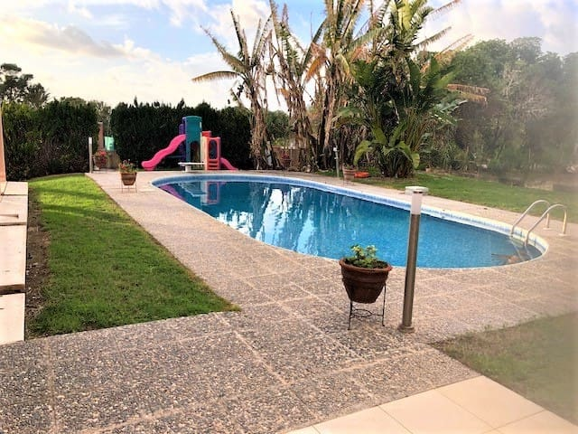Huge Villa 100m to SANDY beach Large Pool Sleeps15
