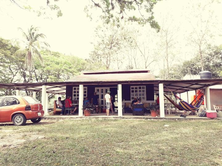 Eco _CABAÑA PARAISO , CABALLOS, RIO, AVENTURA!