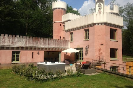 La folie du Chanois 45' Paris-Reims - Montreuil-aux-Lions - Schloss