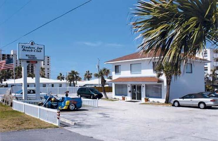 Traders Inn Beach Club Ormond Beach, Florida