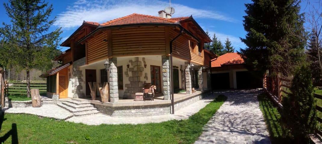 Villa in natural healing paradise - Bihać - วิลล่า