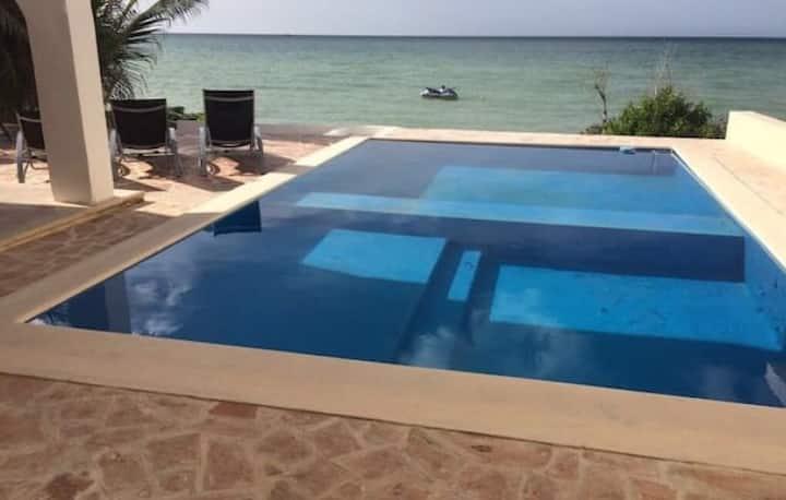 Residencia en Chicxulub Yucatán Mex