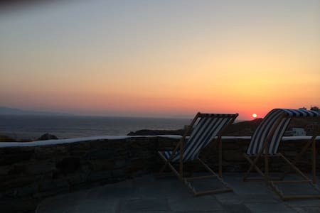A villa with amazing sunset - Tinos