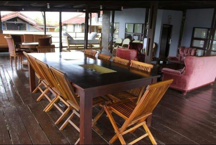Villa Roberni, bersih, view Indah dan hawa sejuk