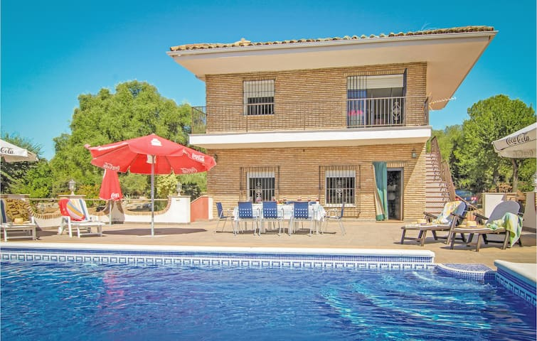 Holiday cottage with 5 bedrooms on 235m² in Almodóvar del Río