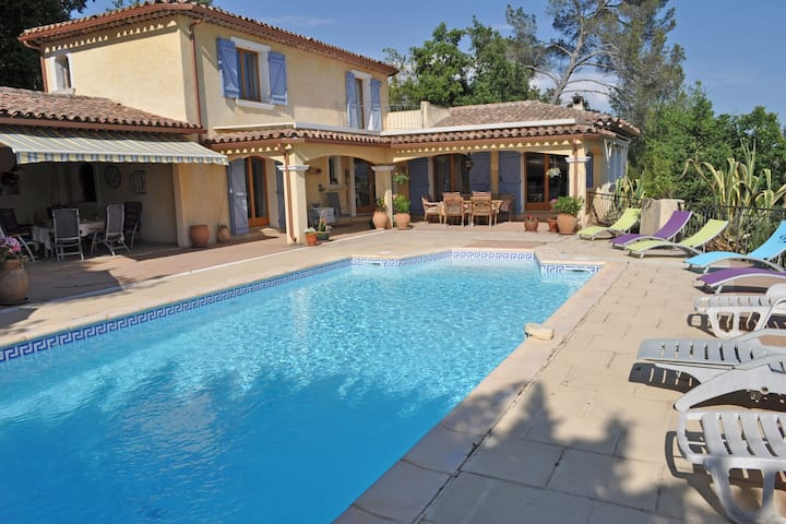 Modern Villa in Carcès with Swimming Pool