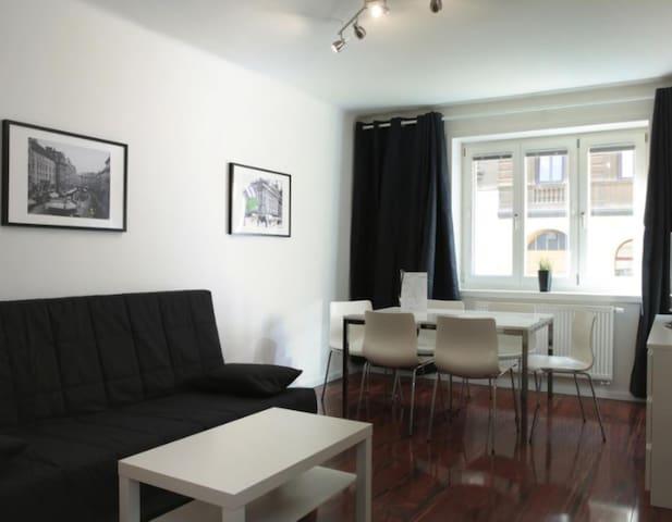 Gary Obi Le Apartment