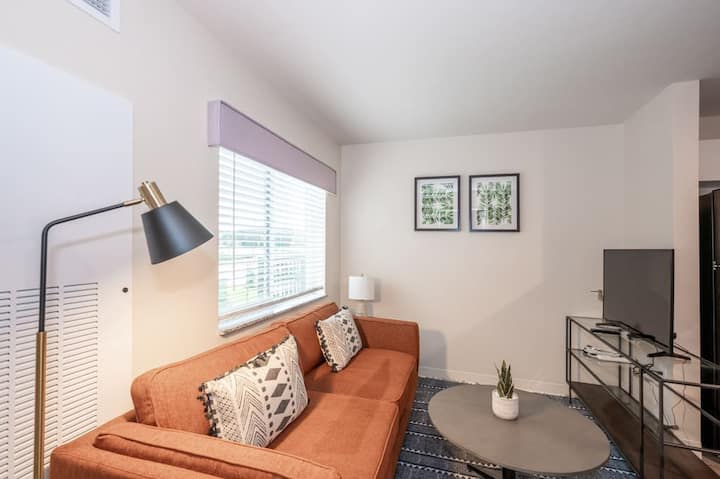 Viagem Attractive 1BR with Parking and Gym