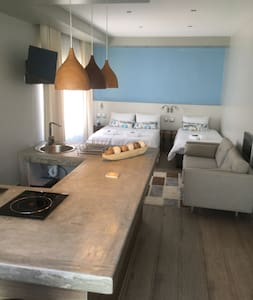 Opening Special! Family Unit with Private Entrance - Swakopmund - Gästhus