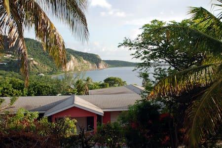 Montserrat Surf Villa - Old Town - Villa