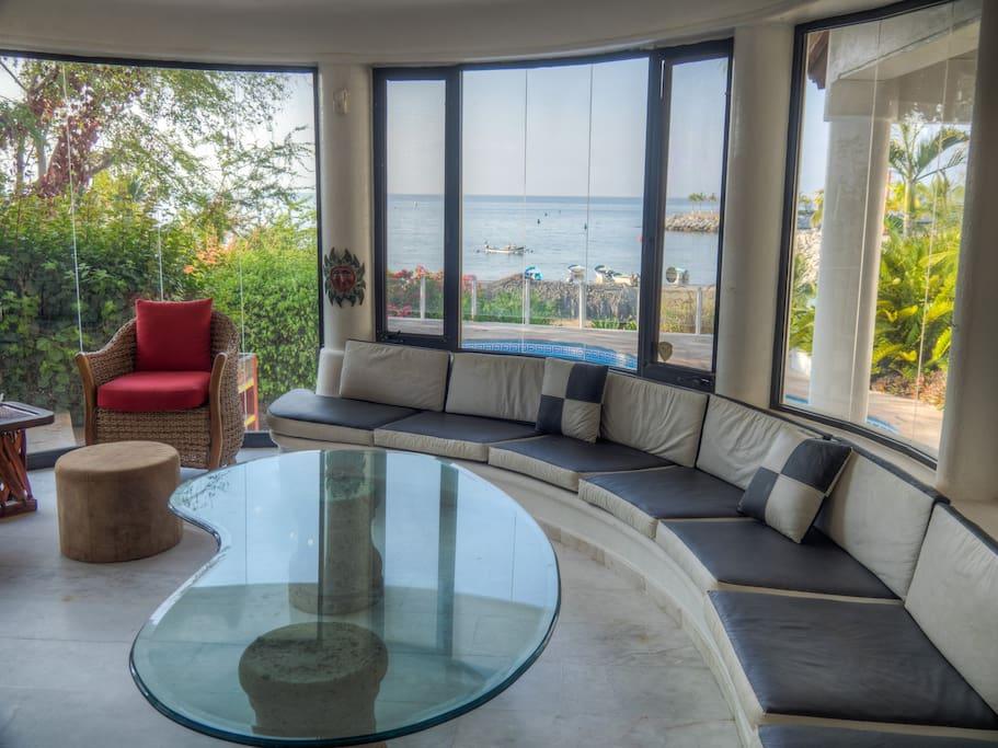Great room overlooking private pool/beach/ocean