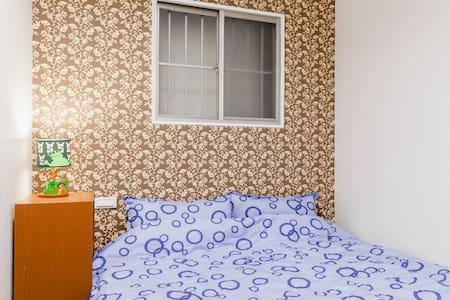 台北士林芝山站1樓 交通便利乾淨舒適套房2