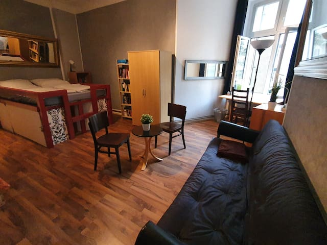 Ruhige Hinterhof Wohnung innerhalb des S-Bahnrings