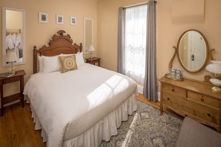 Aldrich Guest House - Room 4