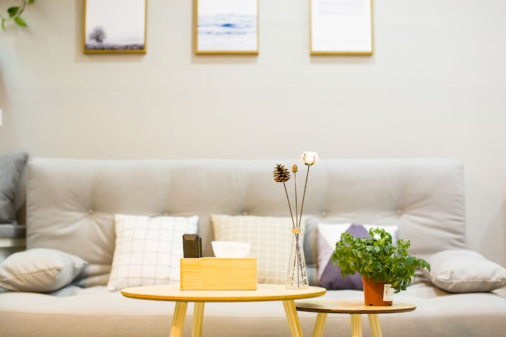 『SHEN'S HOUSE | 初心』城市中心中山广场 |高层Sky Bar揽山观海无印风公寓式民宿