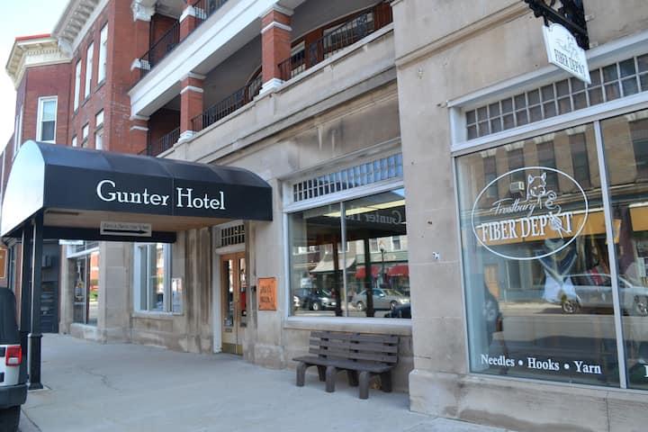 Queen Room at Historic Hotel Gunter