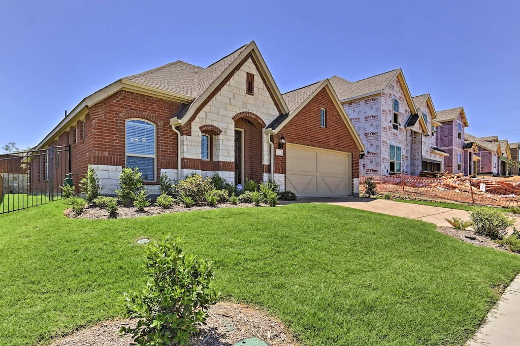 This beautiful home in the historic Wylie neighborhood has a lush lawn.