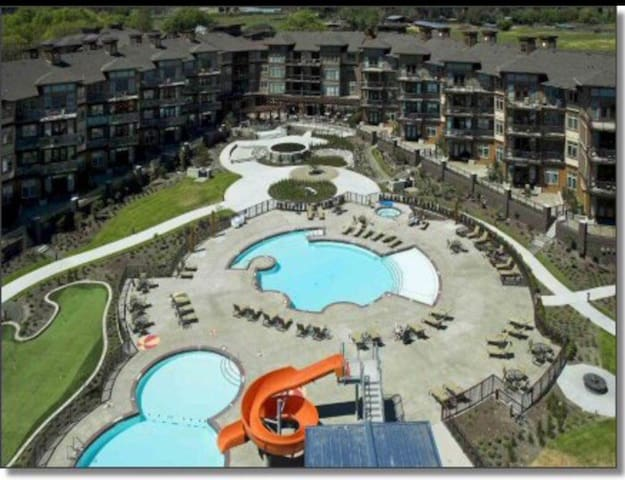 2400 SQFT Penthouse at the Cove Lakeside Resort