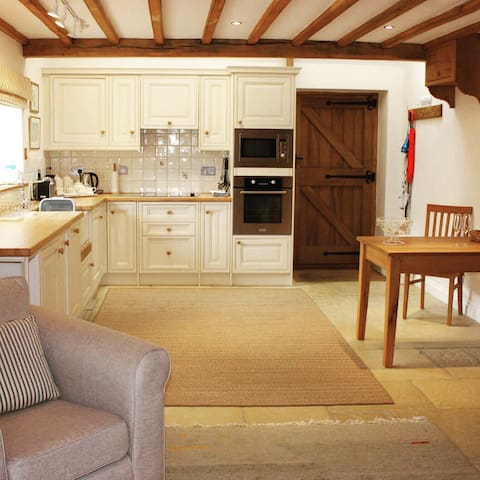 Exclusive use Cotswold stone barn - Chipping Campden - House
