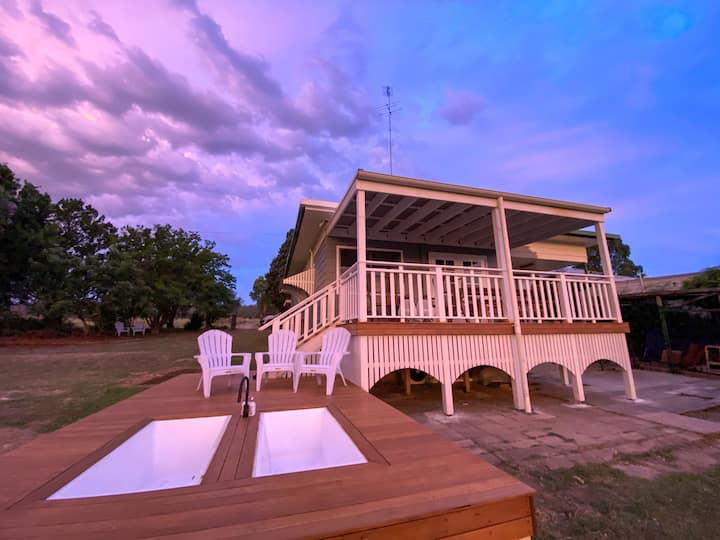 Escape to the Hunter Valley at Thallan Cottage