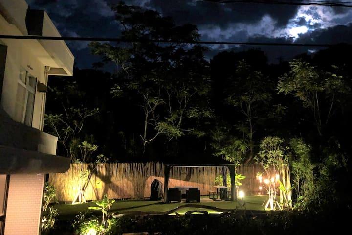 シーサイドリゾート南あわじ☆最大15名(推奨10名)サンセットが見える広々オーシャンビューの貸別荘