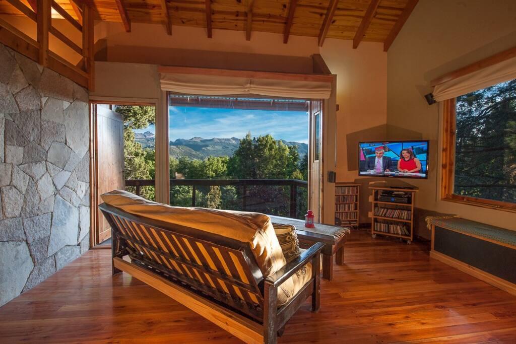 vista del Cerro Chapelco. ventanal de 6 metros cuadrados