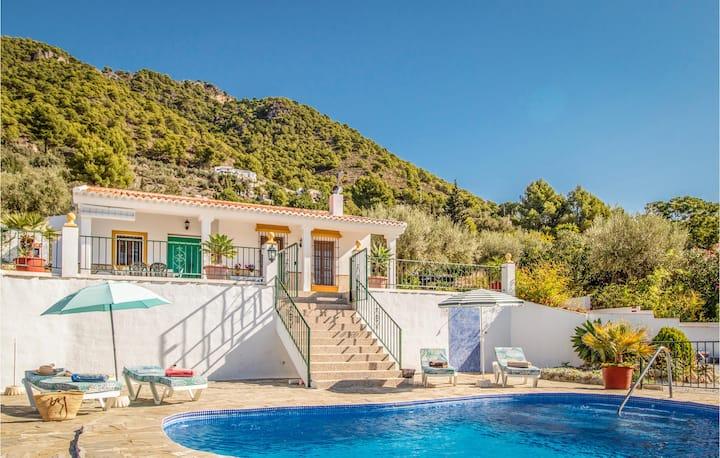 Holiday cottage with 2 bedrooms on 104m² in Frigiliana