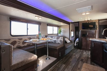Temecula Wine Country - Luxury RV - Temecula