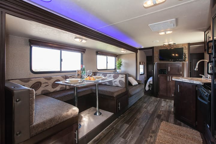 Wine Country - Luxury RV - 7 Min to Wineries