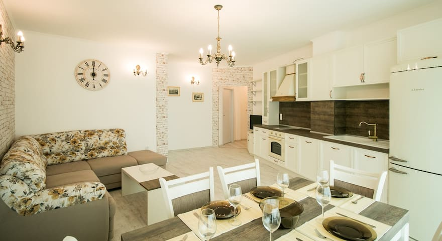 Sea View Apartment Trigor City B25a - Warna - Apartament