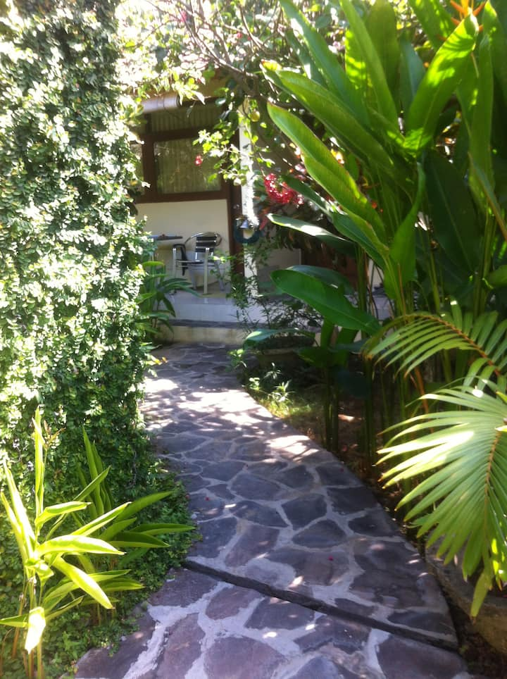 Modern Room only 5 minutes from Bali Deli Seminyak