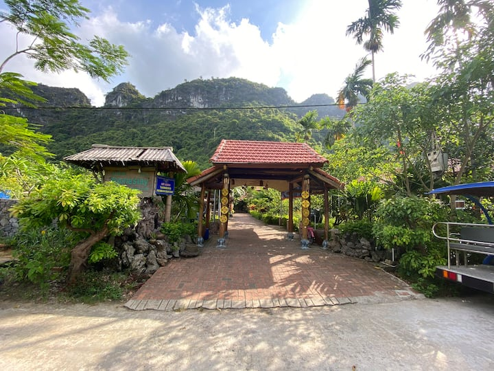 Lan Homestay is a medium newly-built bungalow