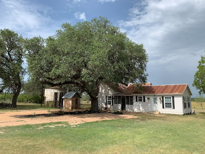 The Mighty Oaks Retreat | Remote | Romantic